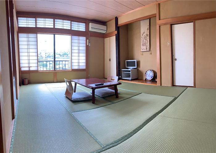my cat yugawara inn tatami-matted room
