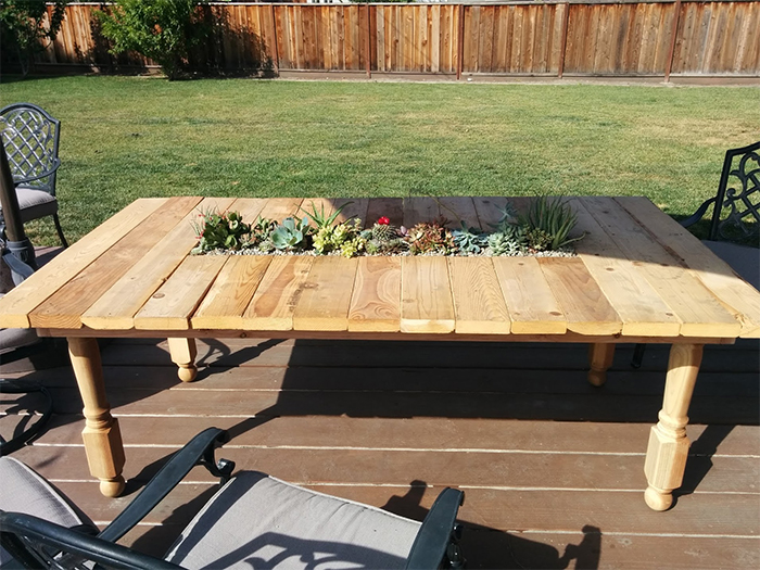 pallet wood picnic table with planter