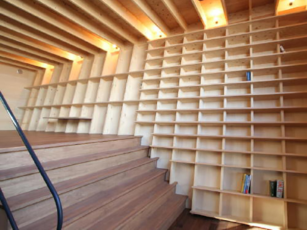 earthquake-proof bookshelf by architect shinsuke fujii