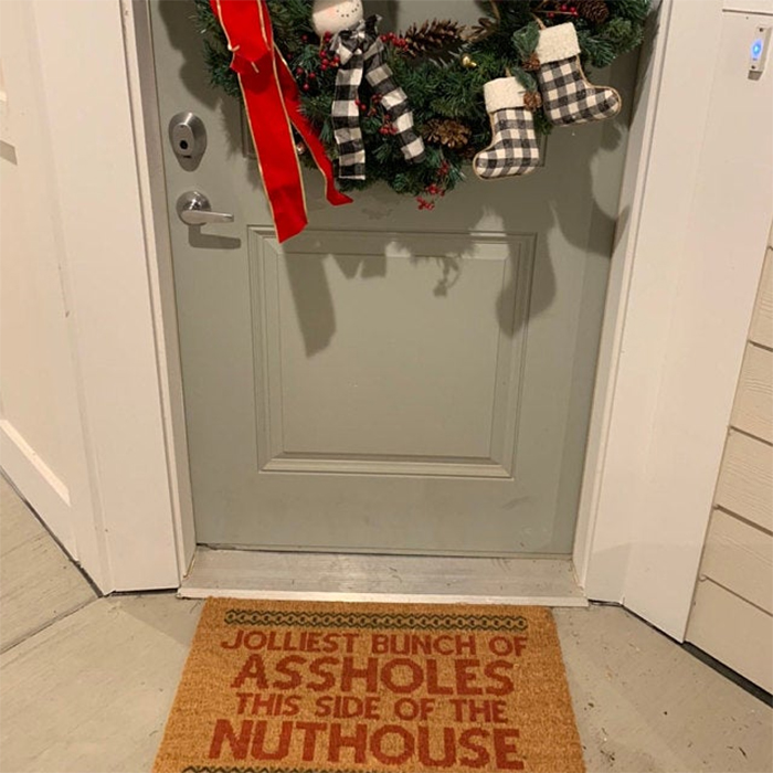 hilarious christmas welcome mat