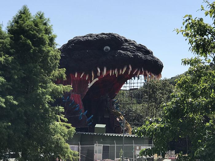 life-size godzilla attraction at nijigen no mori theme park by 7shine7