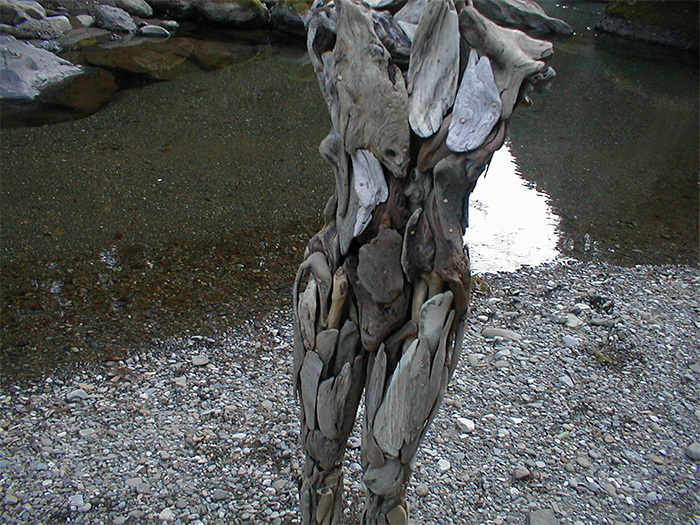 nagato iwasaki uncanny wooden figures