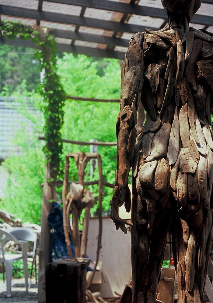 nagato iwasaki wooden statues
