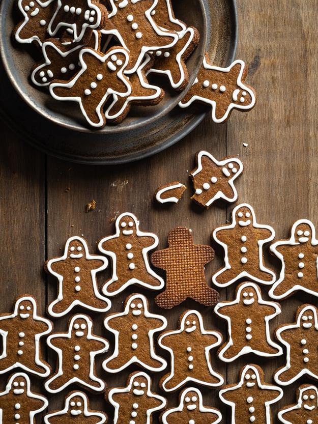 oriol-portell-unsplash-gingerbread cookies