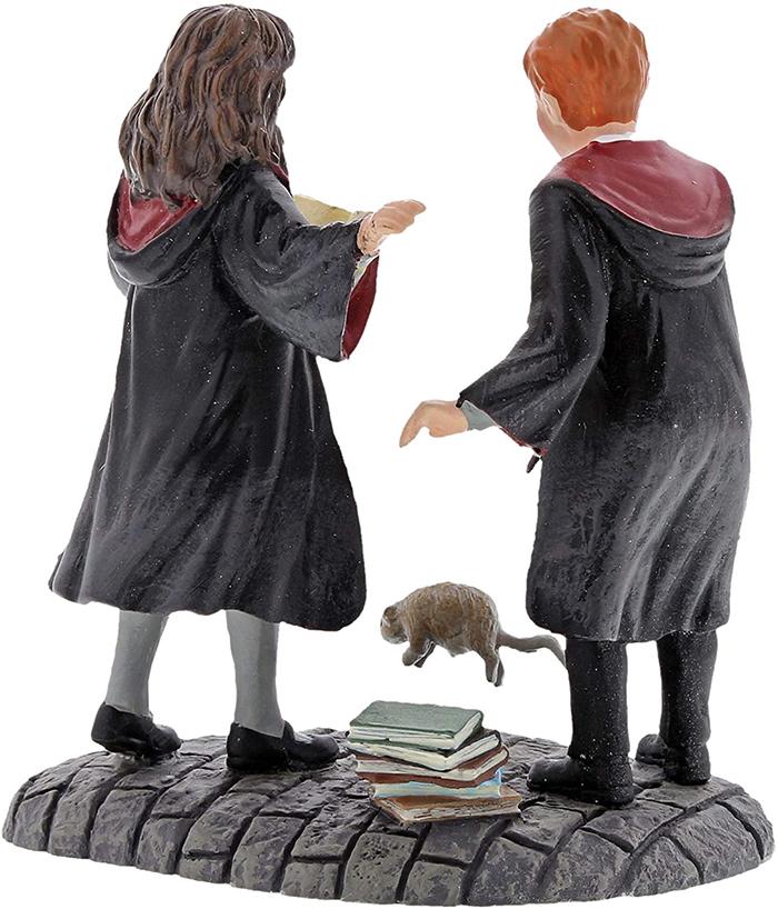 ron and hermione figurine set village accessories