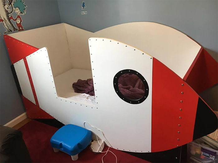 creative father builds rocket bed