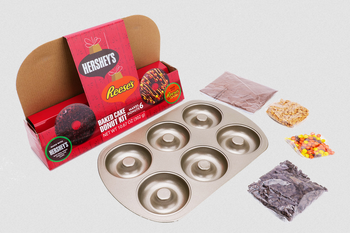 hershey's donut kit with baking pan