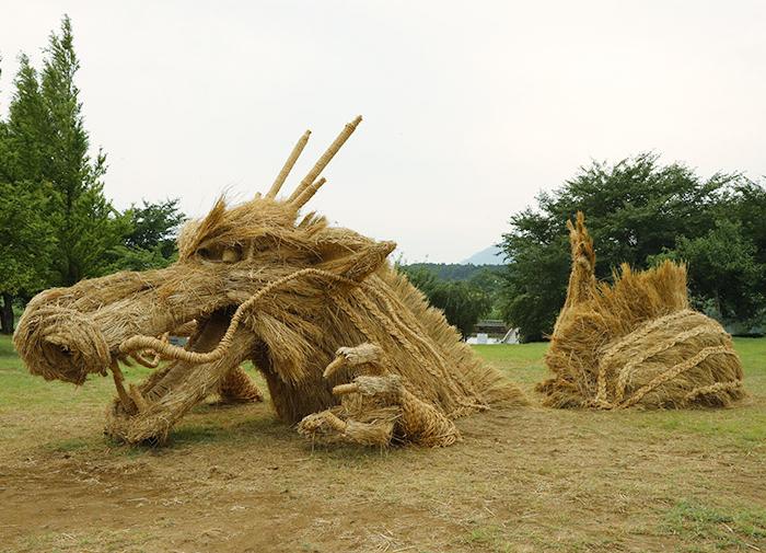 japan wara art festival dragon
