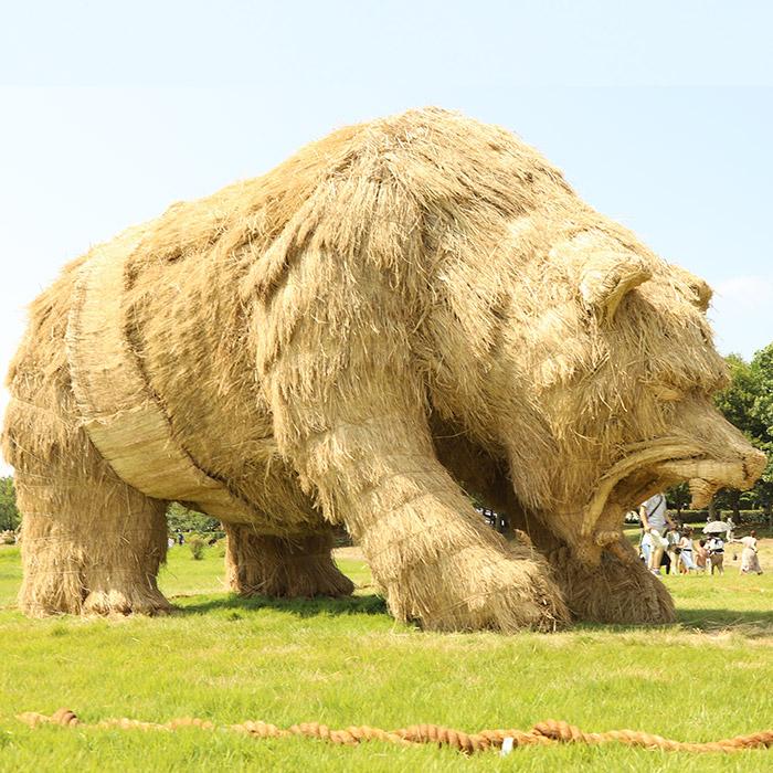 japan wara art festival straw sculptures bear