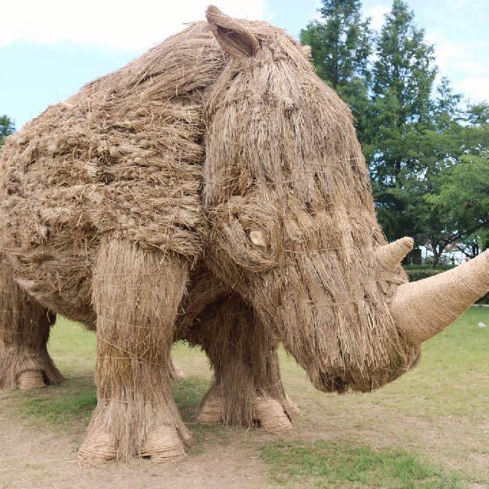 japan wara art festival straw sculptures rhino