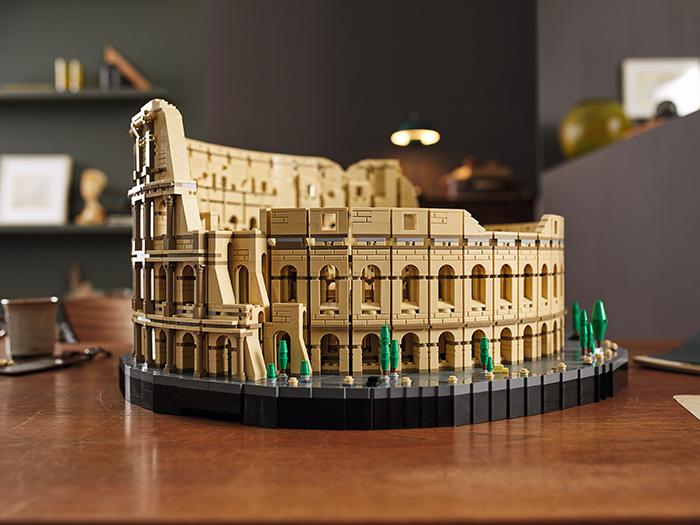 lego roman colosseum table display