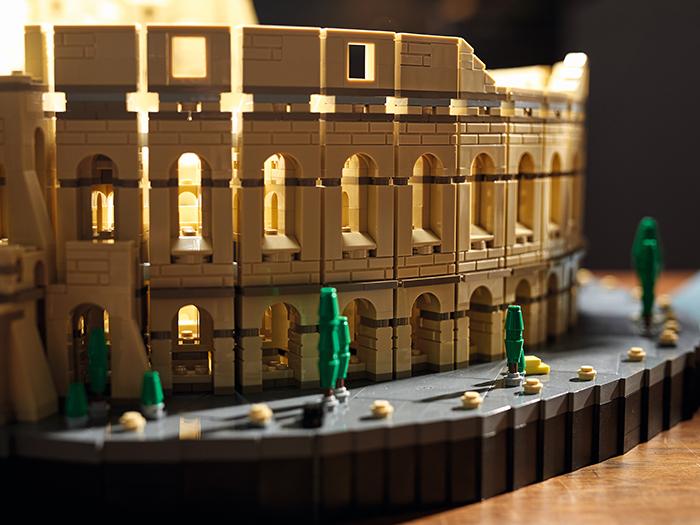 lego roman colosseum walkway