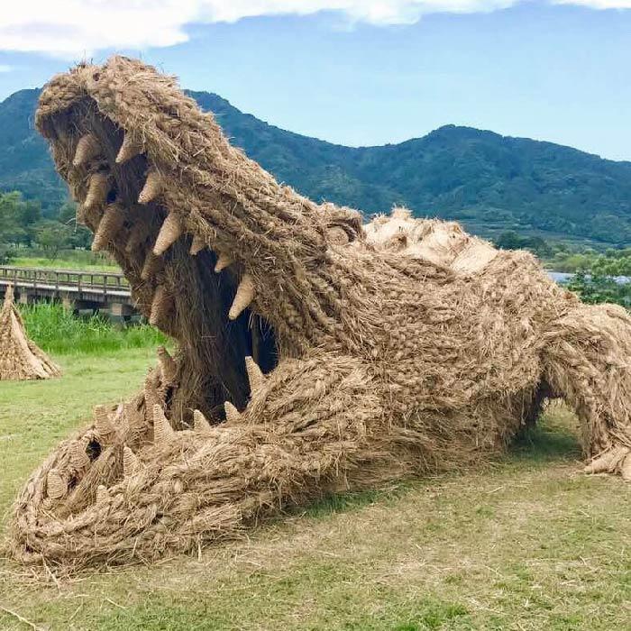 niigata japan wara art crocodile