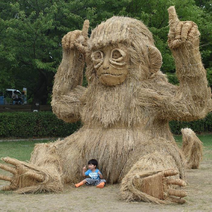 niigata japan wara art monkey
