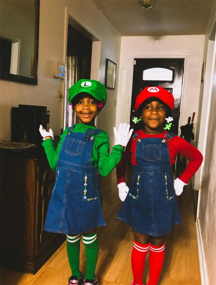 sisters in mario and luigi outfits