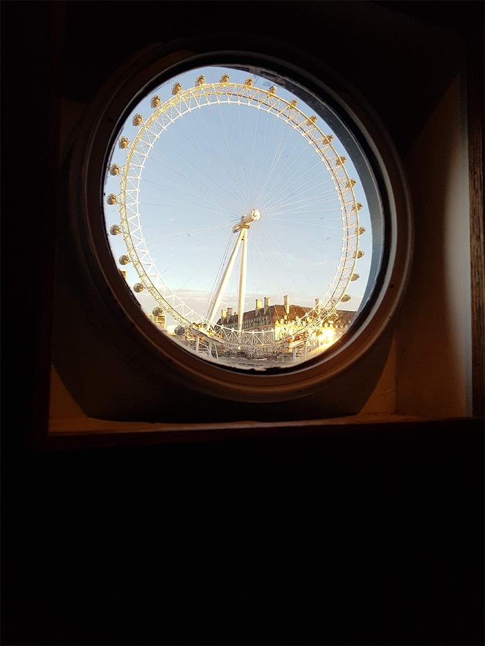 perfect things london eye boat window