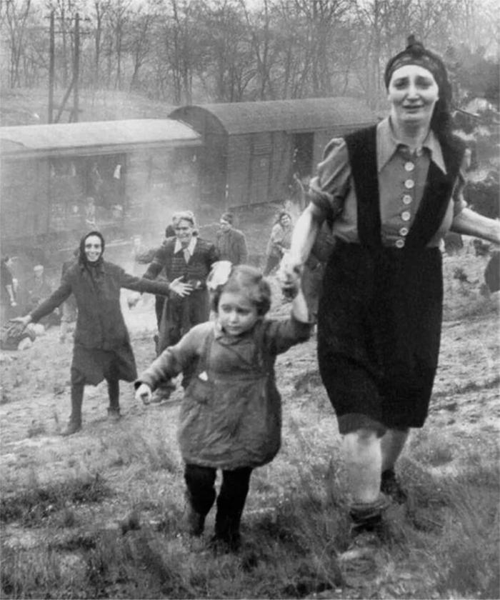 rare photos jewish prisoner liberated from death train