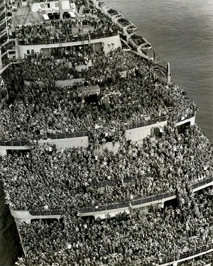 rare photos soldiers returning home from ww2