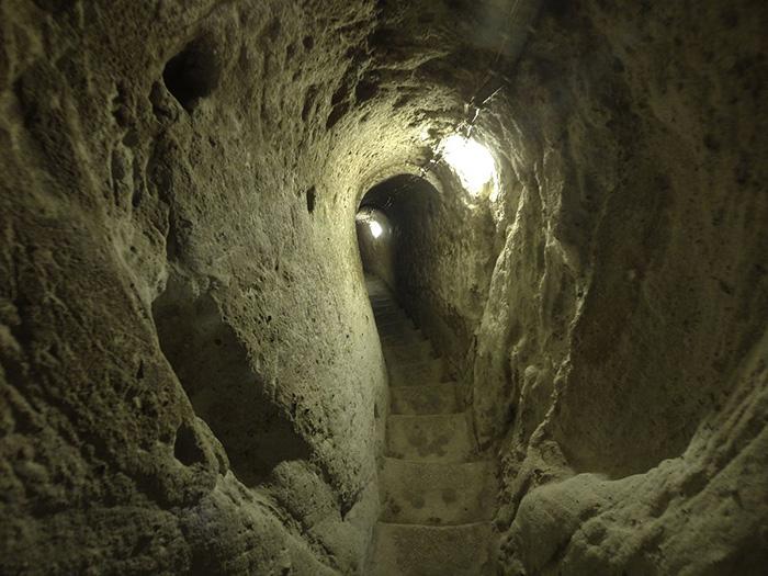 derinkuyu underground city entrance photo by nevit dilmen