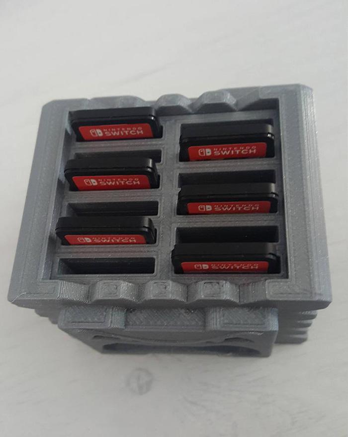 handydans3dprints 3d printed mario thwomp nintendo switch game cartridge holder