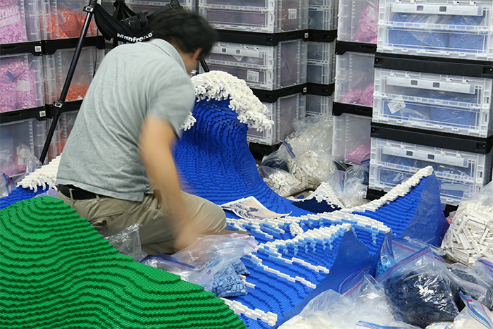 jumpei mitsui builds the great wave lego blocks