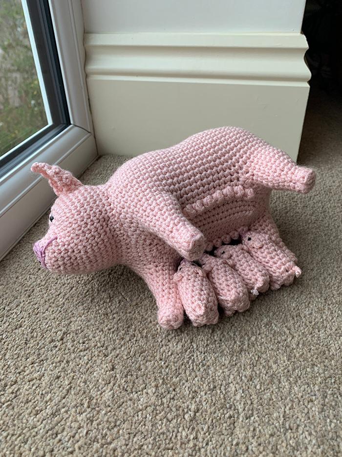 laulovescrochet crochet pattern output pig feeding piglets
