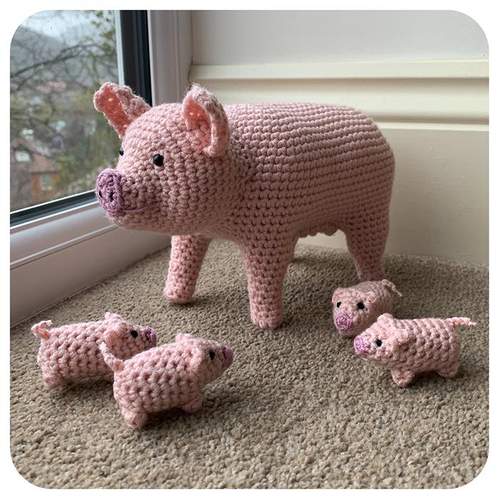 laulovescrochet crochet pattern output pig with piglets