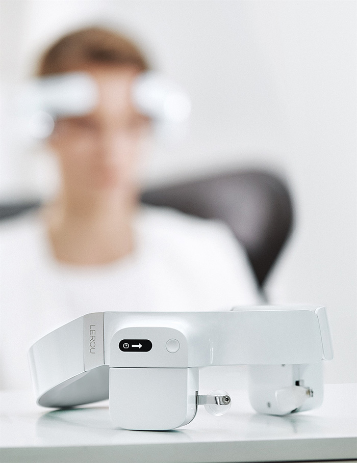 lerou head-mounted massage robot