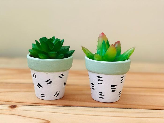 mini pot faux plant