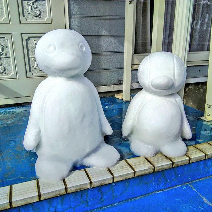 pingu sculpted ice figures