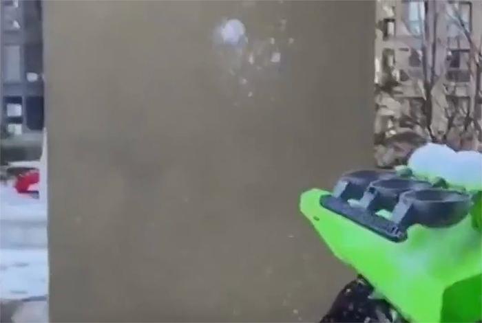 snowball slingshot launcher gun