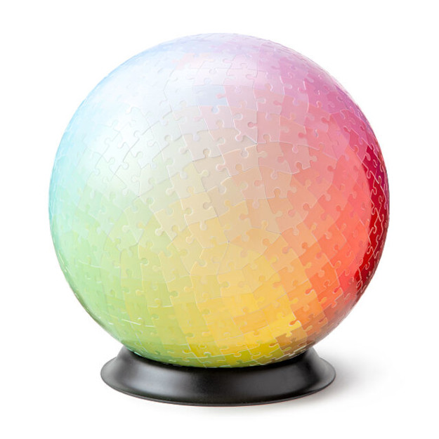 540 colors 3D sphere puzzle from uncommon goods