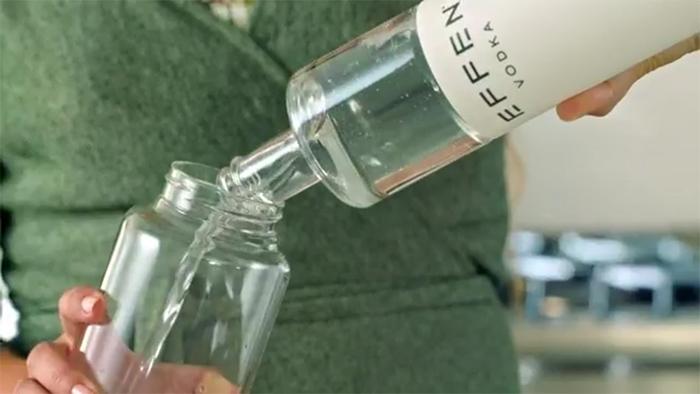 glass bottle vodka reservoir