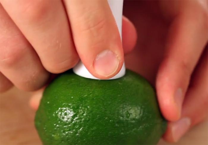 lime juice sprayer easy to insert
