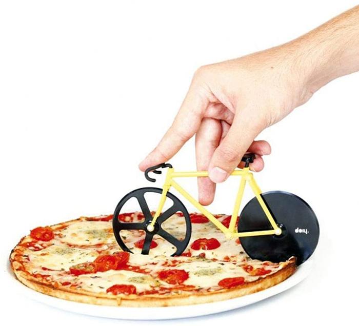bike inspired pie slicer black and yellow