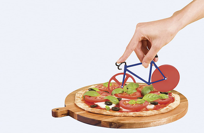 bike inspired pie slicer red and blue