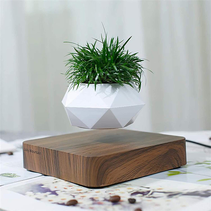 floating pot with magnetic base