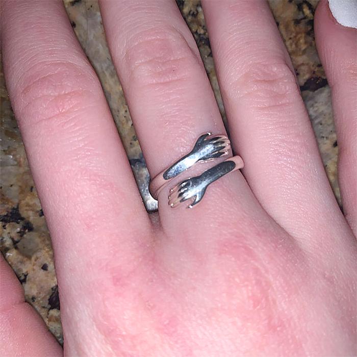 hug ring silver