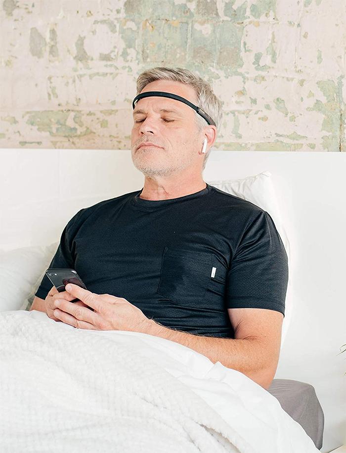 meditation tracker headband deep relaxation
