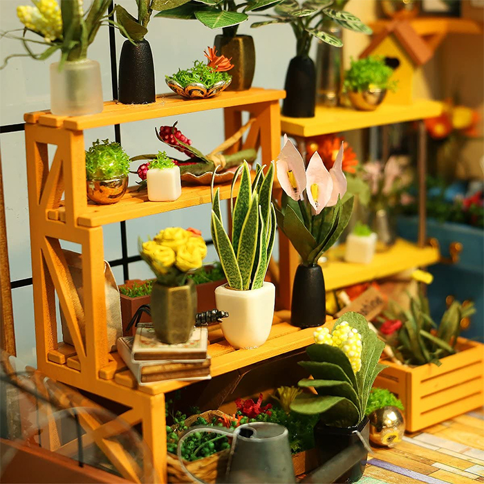 miniature green house interior details