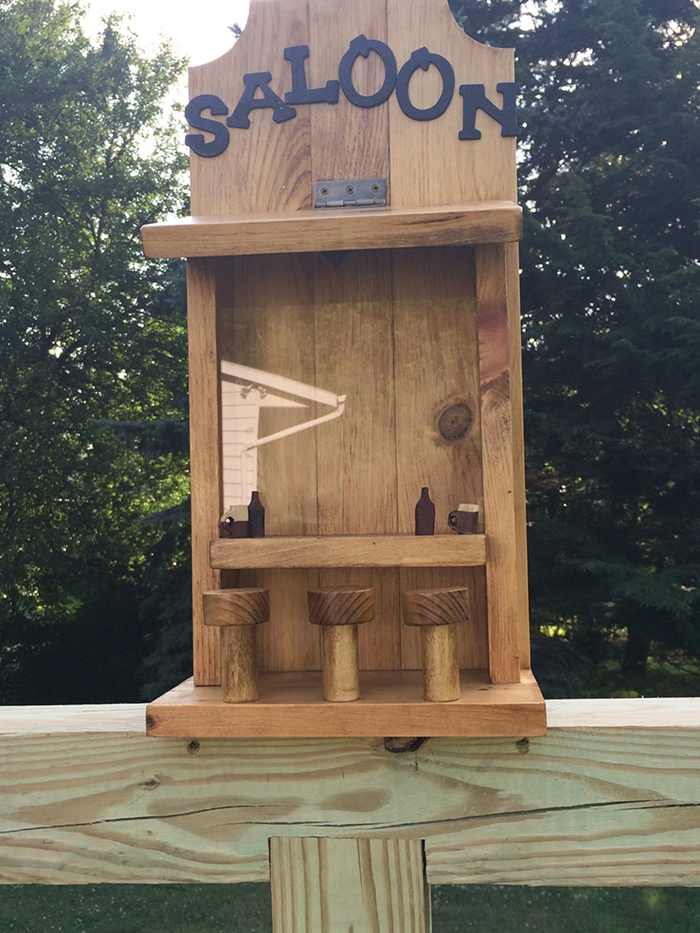 puzakcustomcrafts saloon for squirrel