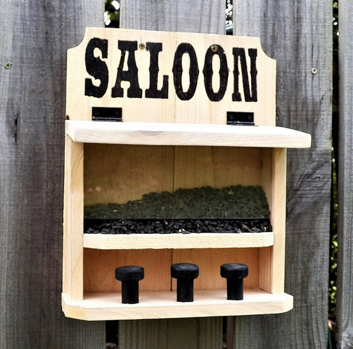saltriverhomeandgrdn feeder for outdoor critter