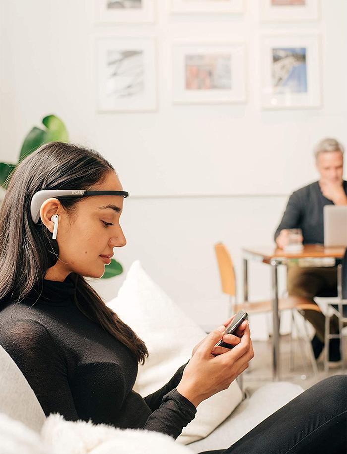 wearable brain sensing device band