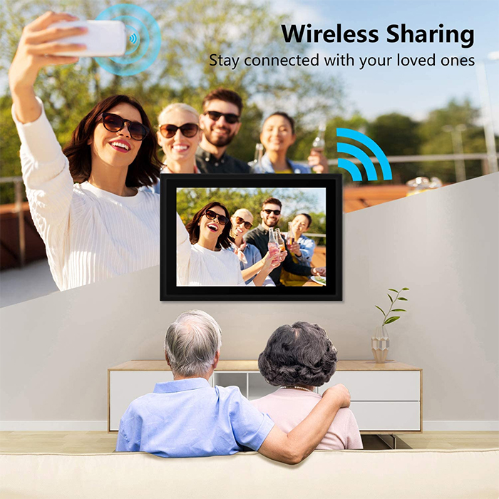 wireless photo sharing instant display