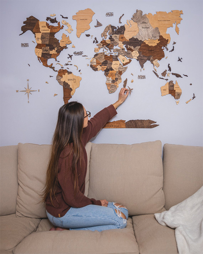 wooden world map wall decor