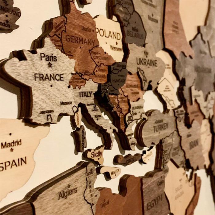 world map wall decor details