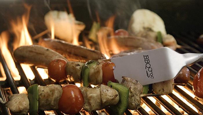 bbq croc 4 in 1 bbq tongs spatula for grilling kebab