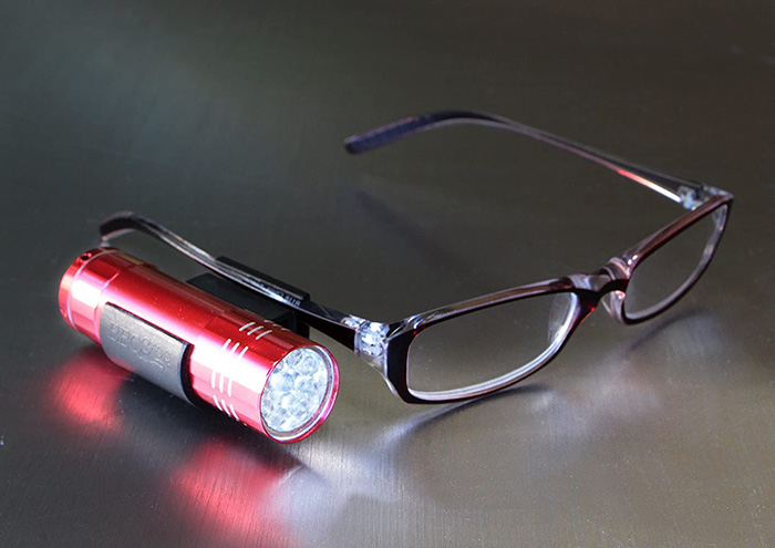 bbq croc clip on flashlight attachment for eyeglasses