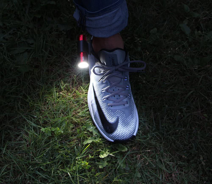 bbq croc clip on flashlight attachment for sneakers