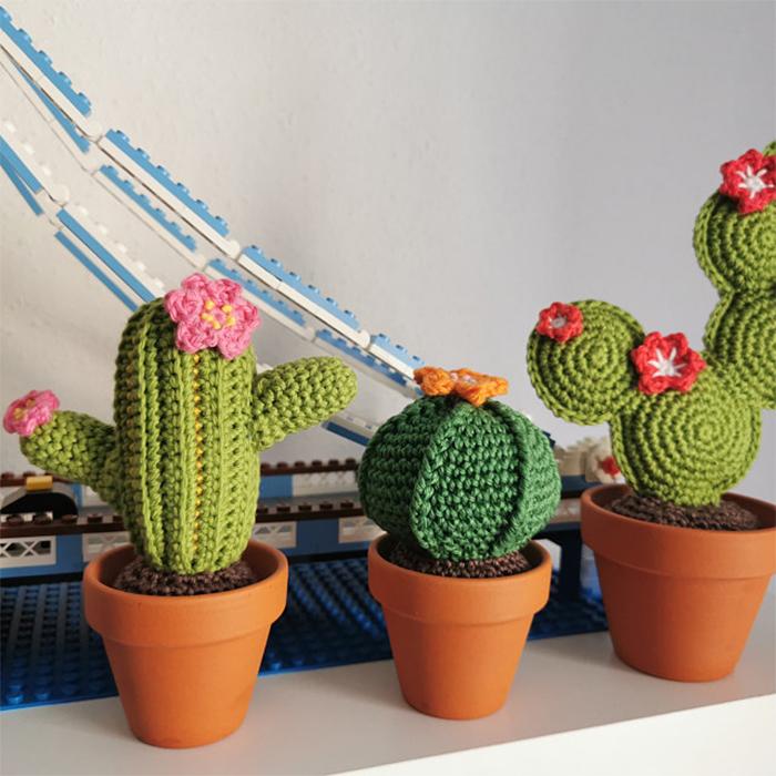 crochet cactus in pot yarn
